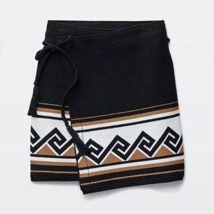 Aritzia TALULA Bourlet Skirt